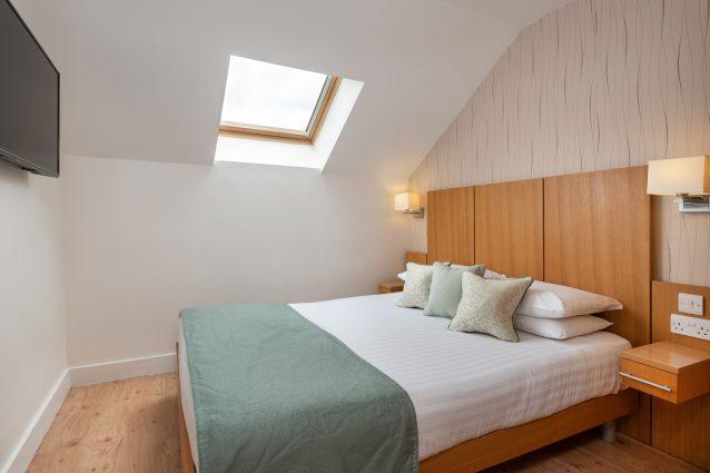 Lodgeinthe Vale room7 1